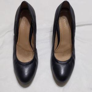 Vionic black leather wedge shoe sz 11